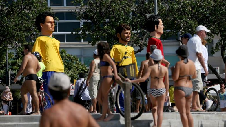 """كرة القدم والجنس: أي الفرق سوف """"تتمالك"""" في البرازيل؟"""