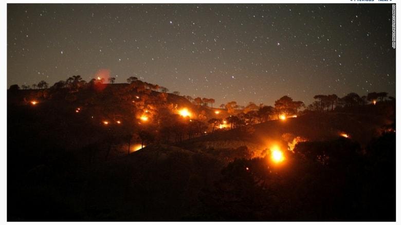 حرائق غابات صغيرة على جبل بالقرب من كومبيتا في إسبانيا.