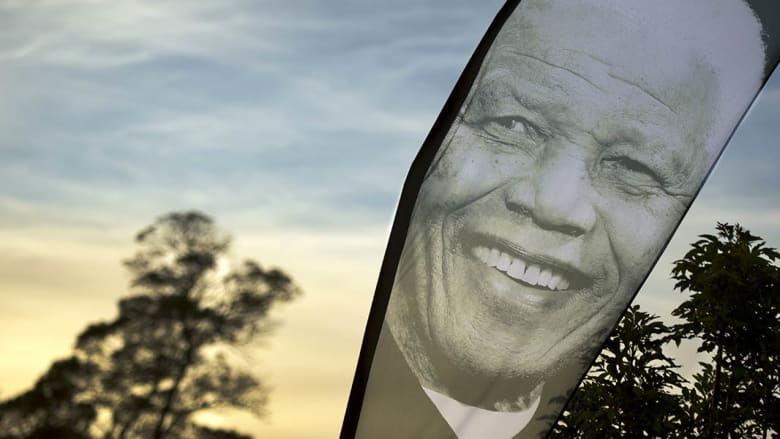 صحف العالم: مكتب التحقيقات الفدرالي الأمريكي تجسس على نيلسون مانديلا