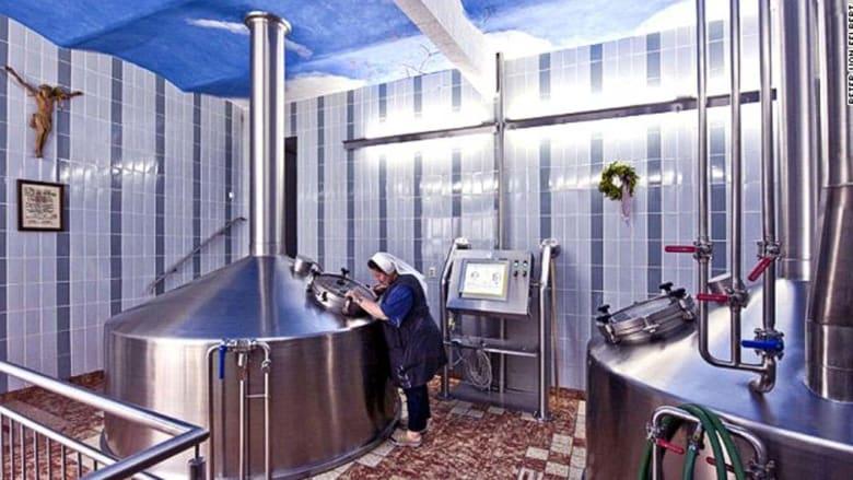 في فصل الصيف بولاية بافاريا الألمانية، يحتفي البافاريون بموسم الجعة بصخب