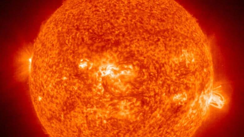 عاصفة شمسية قوية في طريقها نحو الأرض