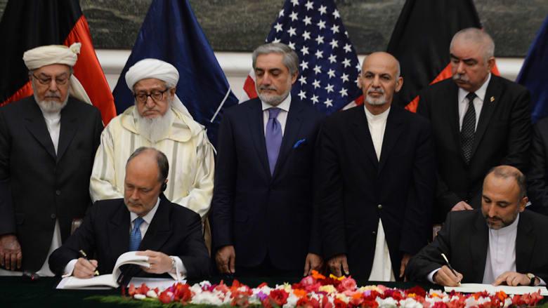 بعد سلسلة تأجيلات.. كابول توقع اتفاقاً يسمح ببقاء القوات الأمريكية في أفغانستان لما بعد 2014