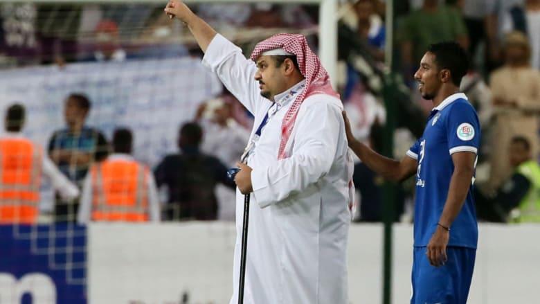 مباراة العين والهلال مستمرة على مواقع التواصل: حضور السعوديات في الملعب وغضب جيان