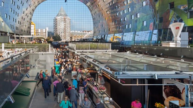 """بالصور..سوق للخضار والفاكهة بشكل """"محطة فضائية"""" في هولندا"""