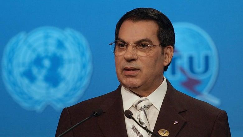 صحف: عودة بن علي إلى تونس قريبة واعتناق عرفات المسيحية