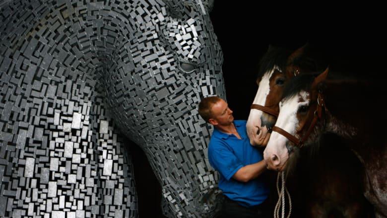 بالصور..أكبر منحوتة للخيول في العالم