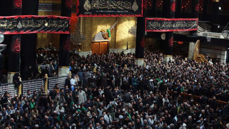 """بالصور.. إحياء الشيعة لأربعينية """"الإمام الحسين"""" بكربلاء بالعراق"""