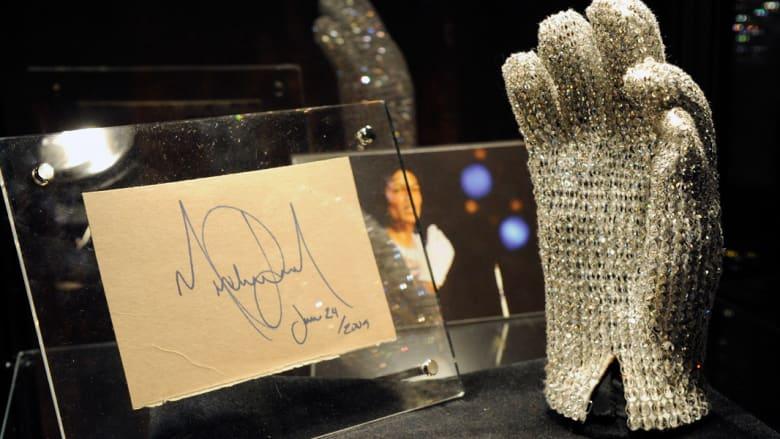 """ألبوم """"جديد"""" لملك البوب الراحل مايكل جاكسون"""