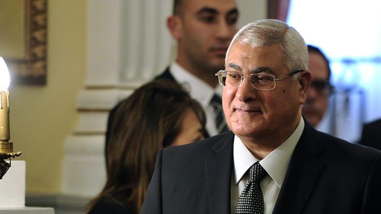صحف: اتهام عدلي منصور باغتصاب منصب الرئيس وتونس الفخر والخجل