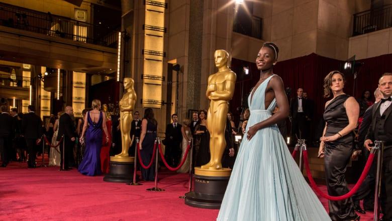 من هي لوبيتا نيونغو.. النجمة التي سطعت في أوسكار 2014؟