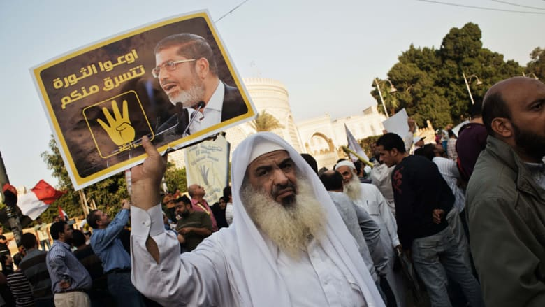خلفان ينتقد ثورات الربيع العربي: برزت معرفة تفسير الاحلام تمثلت بنزول الملائكة في رابعة بمصر