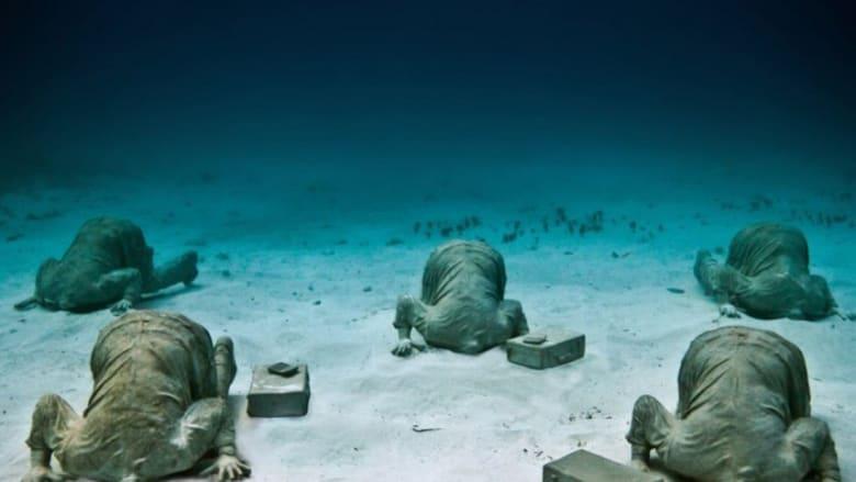 معرض منحوتات في عمق المحيط