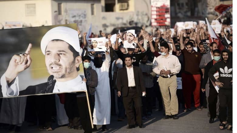 """خطيب جمعة طهران يحذر حكومة """"الأقلية السنية"""" في البحرين: لن تقفوا أمام المد الشيعي"""