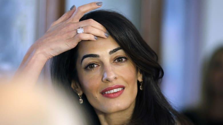 """بعد اتهامها للسلطات المصرية بتهديدها بالاعتقال: القاهرة تؤكد السماح بدخول أمل كلوني """"ساعة تشاء"""""""
