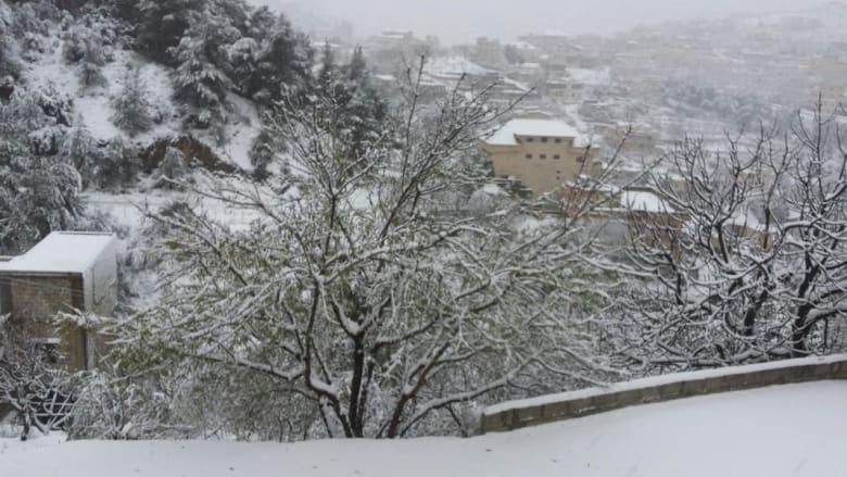 صورة أخرى للثلوج من بلدة نيحا بالشوف - أرسلتها رحاب ذبيان