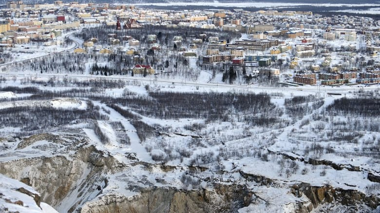 نقل مدينة سويدية حجراً بحجر بعد تهديد منجم بابتلاعها