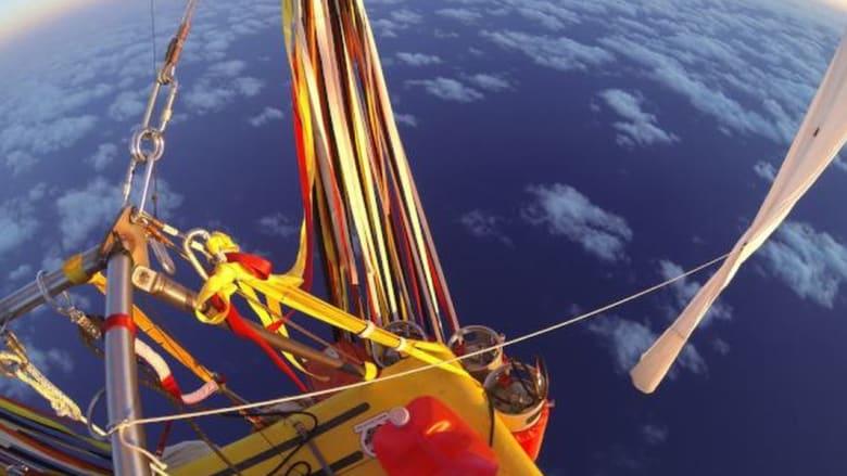 طياران يحطمان أرقاماً قياسية بقطع المحيط الهادئ بمنطاد هوائي خلال 6 أيام