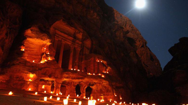 ليست باريس أو إيطاليا.. مناطق عربية وأخرى عالمية غير معتادة للاحتفال بعيد الحب