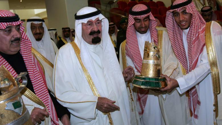 بالصور.. خادم الحرمين الشريفين يرعى المهرجان السنوي الكبير لسباق الخيل