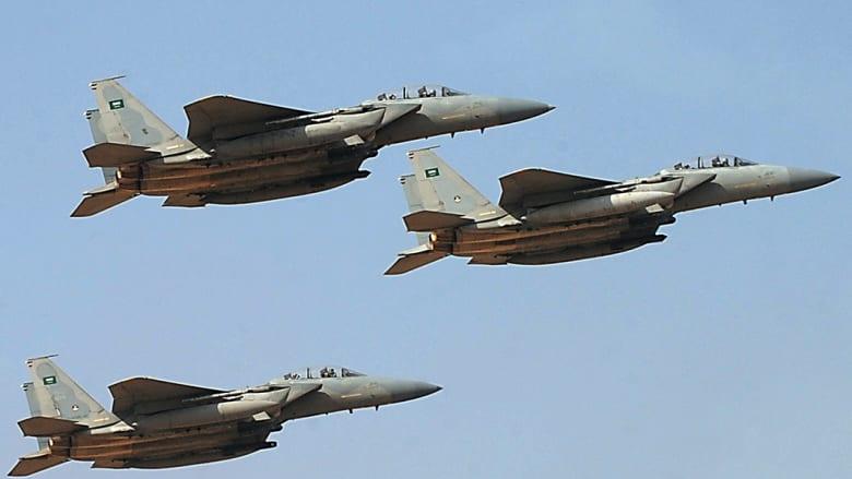 مقاتلات تابعة لسلاح الجو السعودي تشارك في احتفالات تخريج دفعة جديدة من أكاديمية الملك فيصل الجوية.