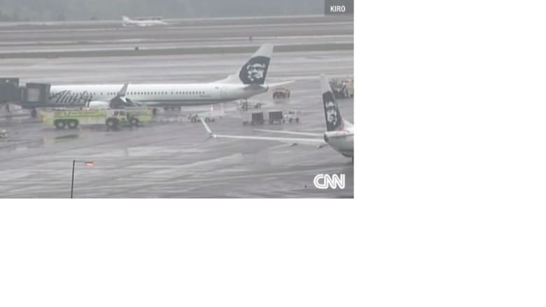 نوم عامل شحن يجبر طائرة أمريكية للهبوط اضطراريا في سياتل
