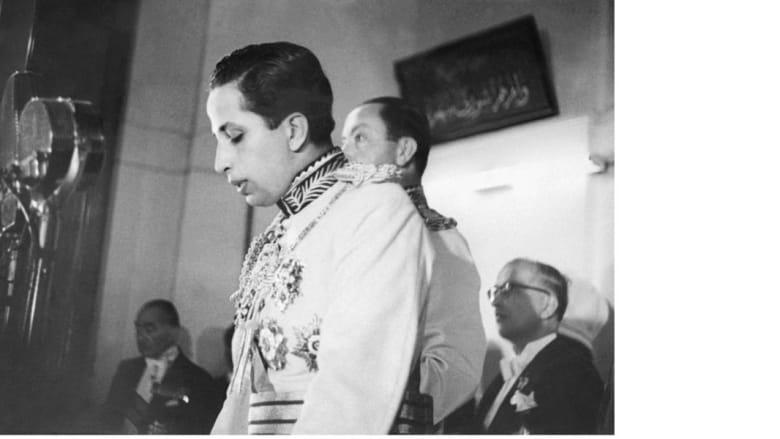 ملك العراق الشاب فيصل الأول يؤدي اليمين الدستورية ملكا للعراق أمام البرلمان  في بغداد 5 مايو/ ايار 1953
