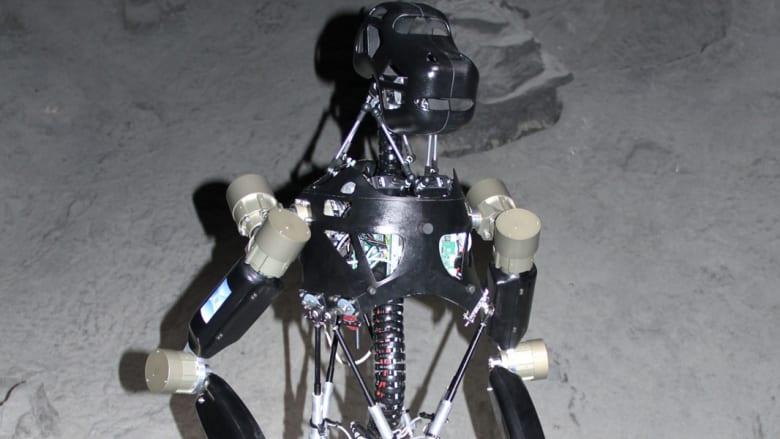 قرد روبوتي قد يسير على القمر مستقبلاً