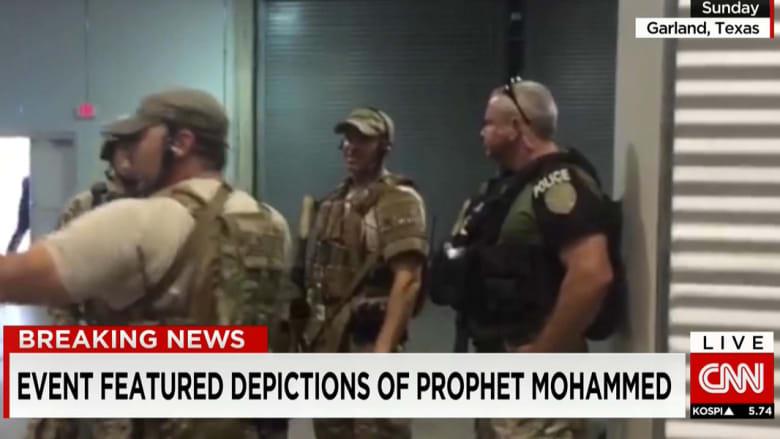 المشاهد الأولى للهجوم على معرض صور كرتونية للنبي محمد في تكساس.. وفيلدرز محاط بقوات خاصة