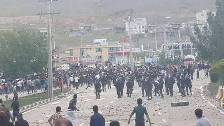 """""""#إيران_تشتعل"""".. على وقع انتحار الفتاة الكردية فريناز خسرواني """"بوعزيزي مهاباد"""""""