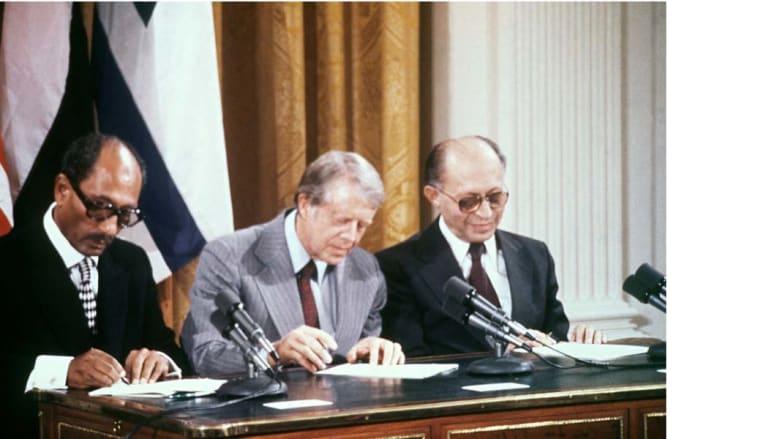 توقيع اتفاقية كامب ديفيد بين مصر وإسرائيل