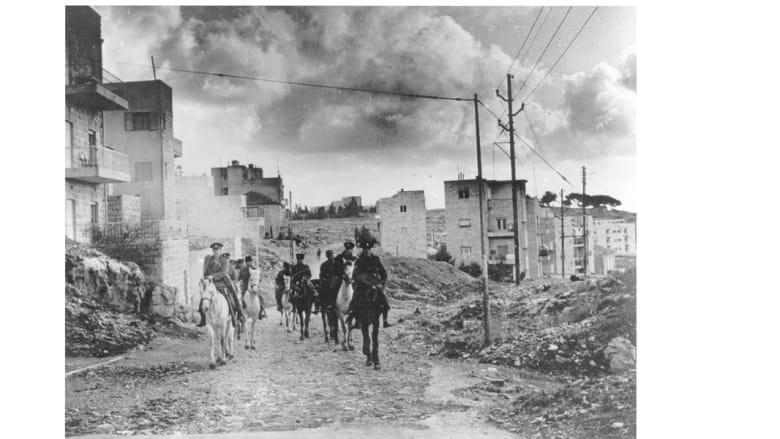 دروية من الخيالة البريطانيين والفلسطينيين في ضواحي القدس، 23 أبريل/ نيسان 1947
