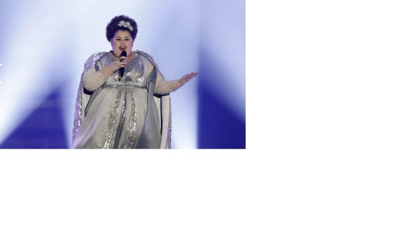 """الصربية بوجانا ستامينوف أدت أغنية """"بيوتي نيفر لايز"""""""