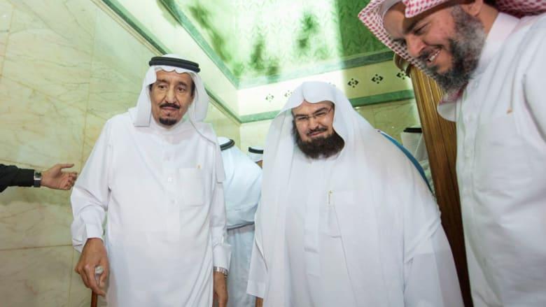 خادم الحرمين الشريفين الملك سلمان يزور المسجد الحرام بمكة المكرمة