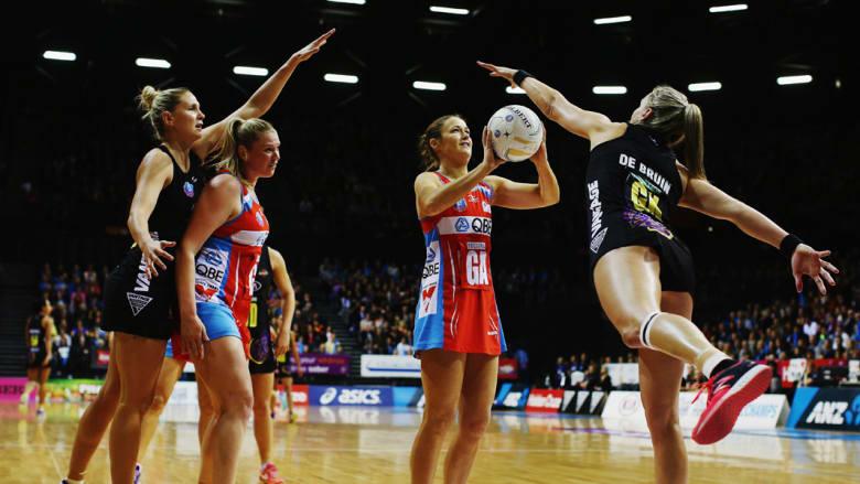 """مباراة كرة السلة بين فريقي """"ماجيك"""" وسويفت"""" النسائي في نهائي بطول""""ة أيه ان زد"""" بنيوزلندا"""