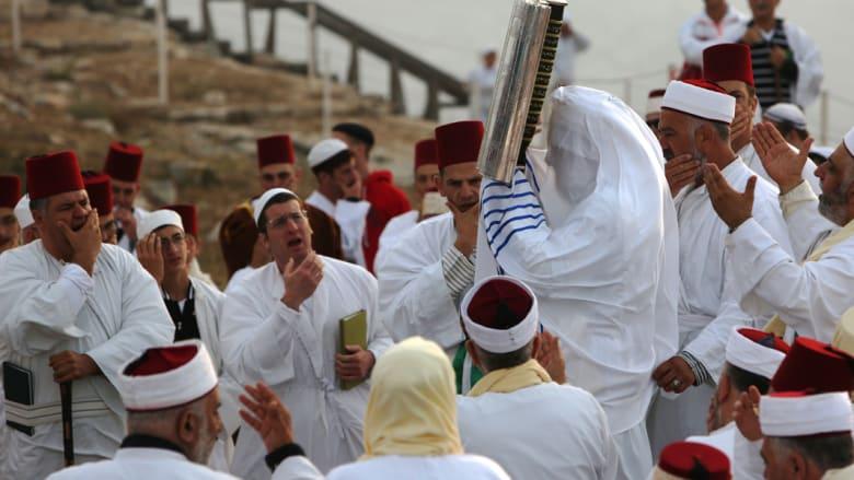 السامريون يعيشون في مدينة نابلس مع الفلسطينين ولهم محالهم التجارية فيها
