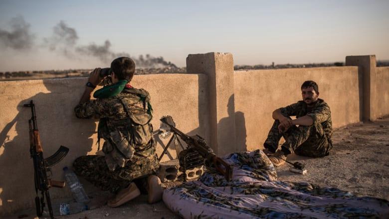 """أكراد سوريا يستردون بلدة من """"داعش"""".. ويتهمون تركيا بقصف مواقعهم"""
