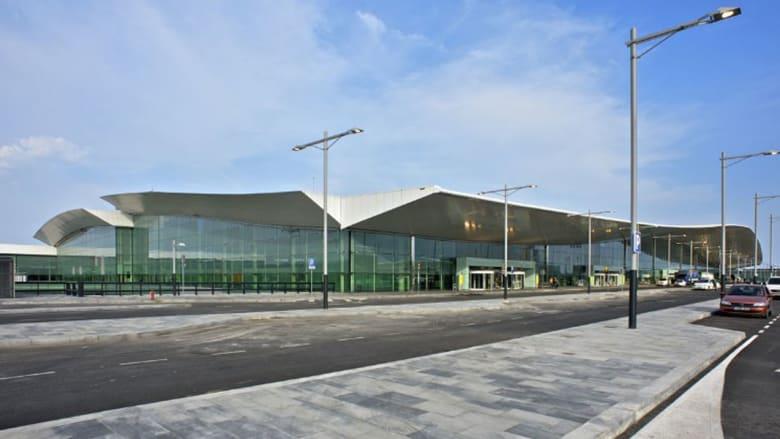 بالصور..شاهدوا المطار الذي يعمل على طاقة الهواء