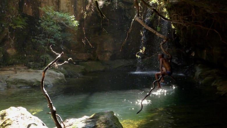 اقفز معنا إلى هذه الأماكن الساحرة.. أجمل مواقع السباحة في البرية