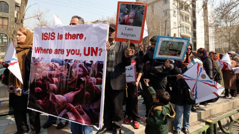 """سوريا.. """"داعش"""" يطلق 22 من """"الآشوريين"""" المختطفين بـ""""صفقة"""" لم تتضح تفاصيلها"""