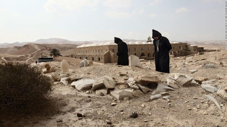 شاهد... صور صادمة تبين التضارب بين الثقافات والأديان