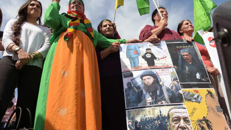 رأي: بعد تلقيهم ضربات تركيا بسوريا والعراق.. هل خانت أمريكا الأكراد في الحرب ضد داعش؟