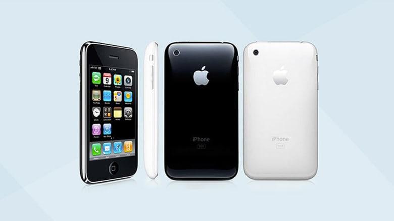 كيف تطور هاتف آي فون عبر السنوات