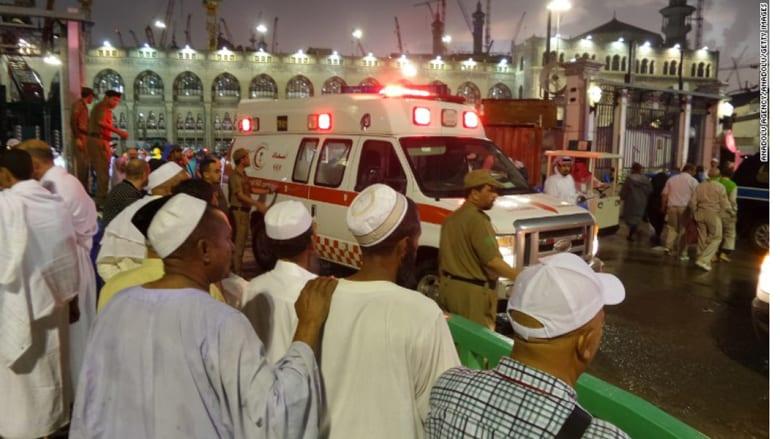إصابة 20 مصرياً في حادث الحرم المكي.. والسيسي يعزي الملك سلمان