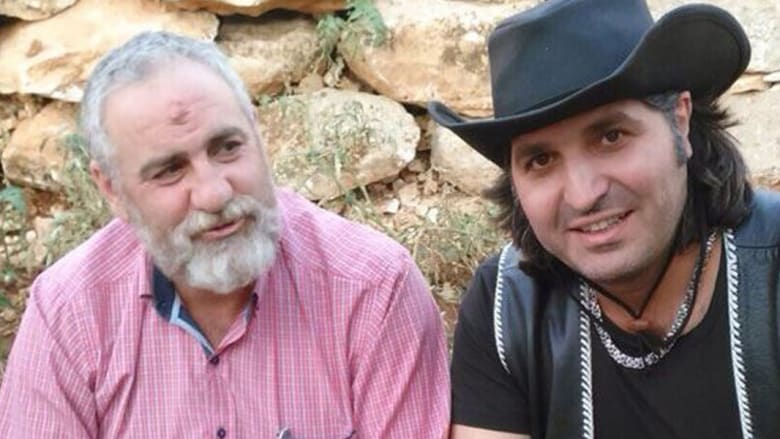 """زعيتر بجانب مسؤول قطاع بعلبك في """"حزب الله"""" حسين نصرالله"""
