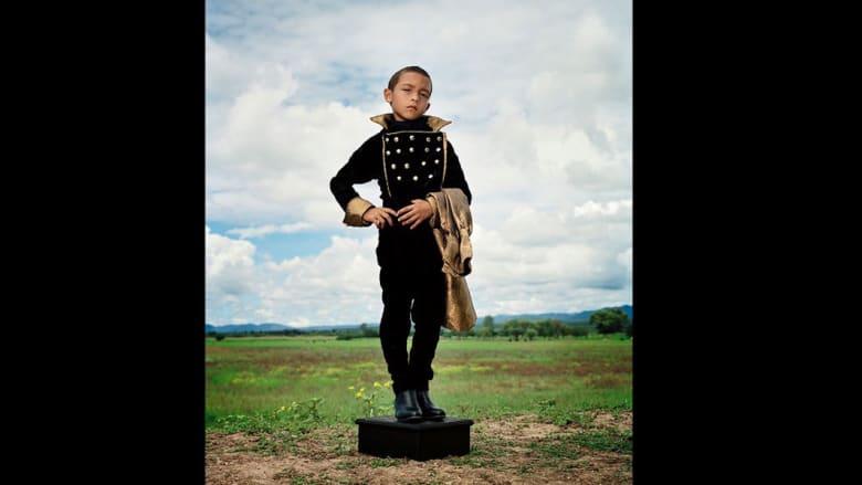 مصور مكسيكي يخلد صور أطفال من زمن أكثر براءة