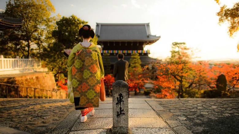 في عاصمة اليابان التاريخية..عودة إلى زمن فتيات الغايشا والقصور والمعابد