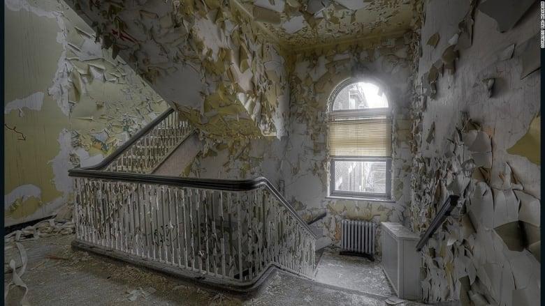 قصور وكنائس وفنادق ومستشفيات مهجورة..هكذا تبدو بفعل الزمن