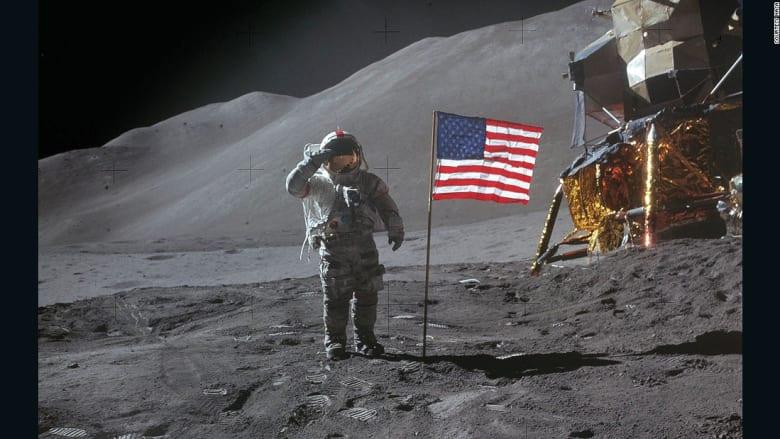 هذه أول ساعة شخصية لرائد فضاء على سطح القمر
