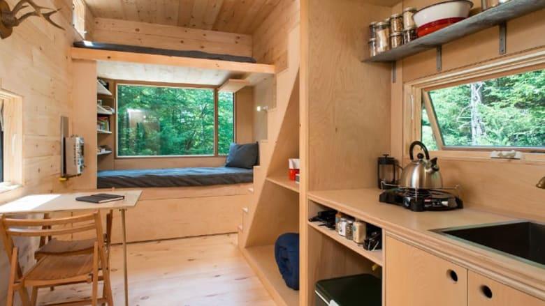 هل تحلم بعيش تجربة الإجازة في كوخ أنيق في الغابة؟ حقق حلمك بأقل من 100 دولار لليلة