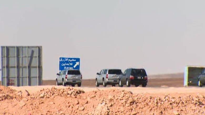 """بالفيديو.. بعد تحذيره من """"الكلاب المسعورة"""".. كارسون يزور مخيم اللاجئين بالأردن"""